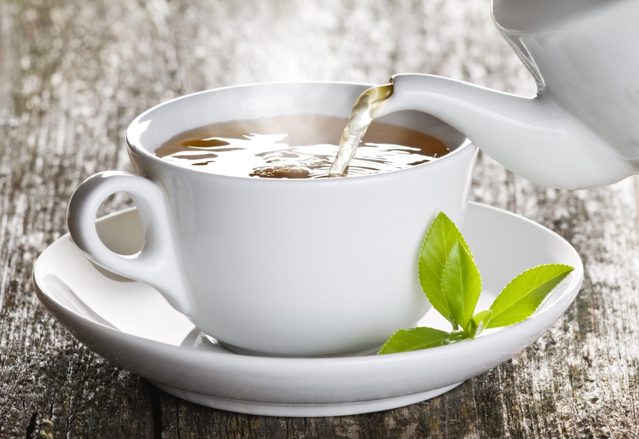 Pięć powodów, dla których warto pić herbatę w pracy