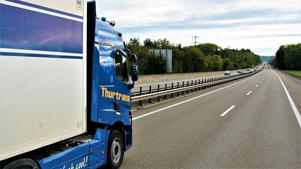 Co dręczy polską branżę transportową? – wyniki badania INELO